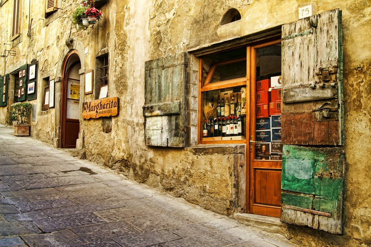 cobblestone lanes in heritage Italian villages visits on our italy trip