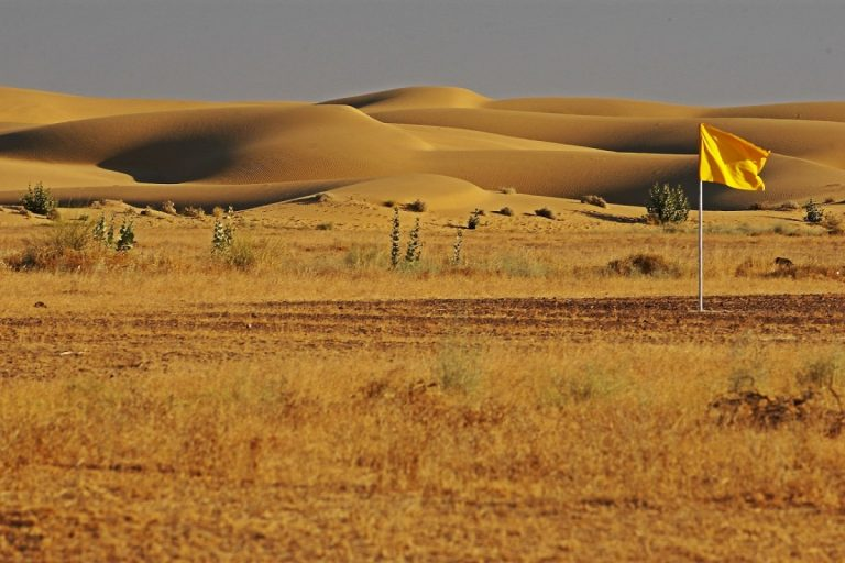 Golden hues if the dune during sunsets is a scene straight out of the Arabian tales